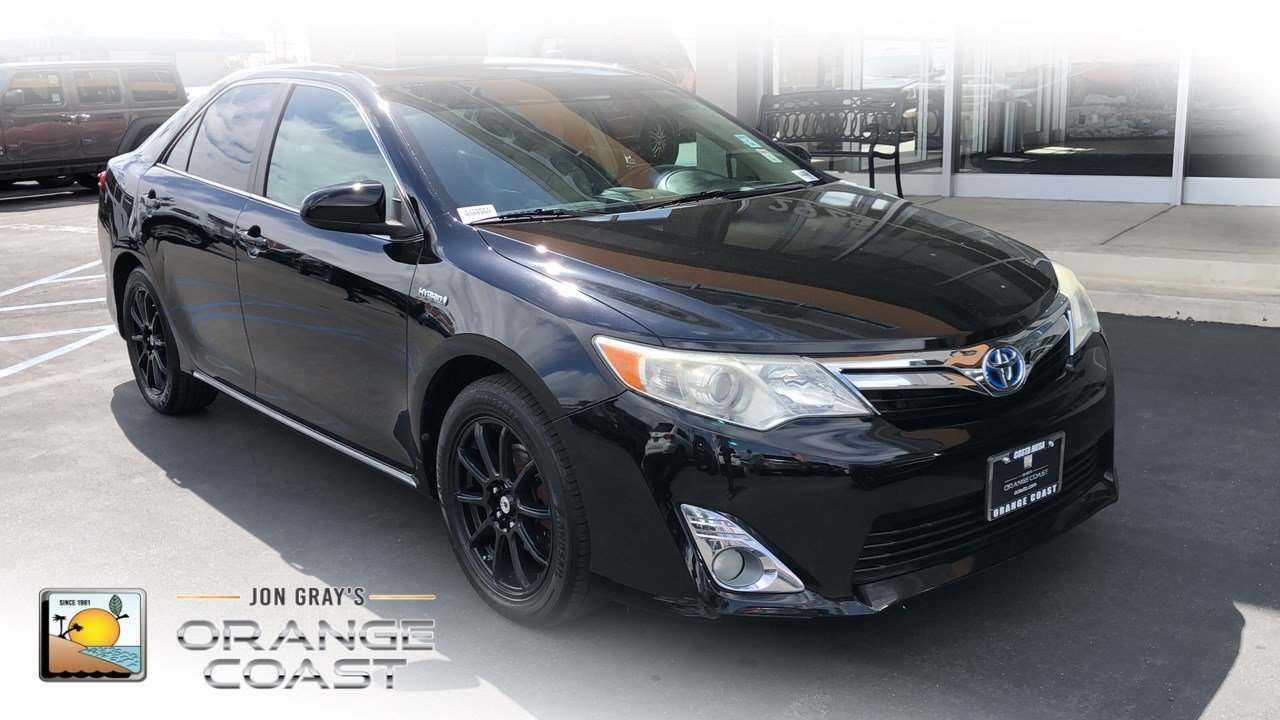 Pre-Owned 2012 Toyota Camry Hybrid XLE HYBRID